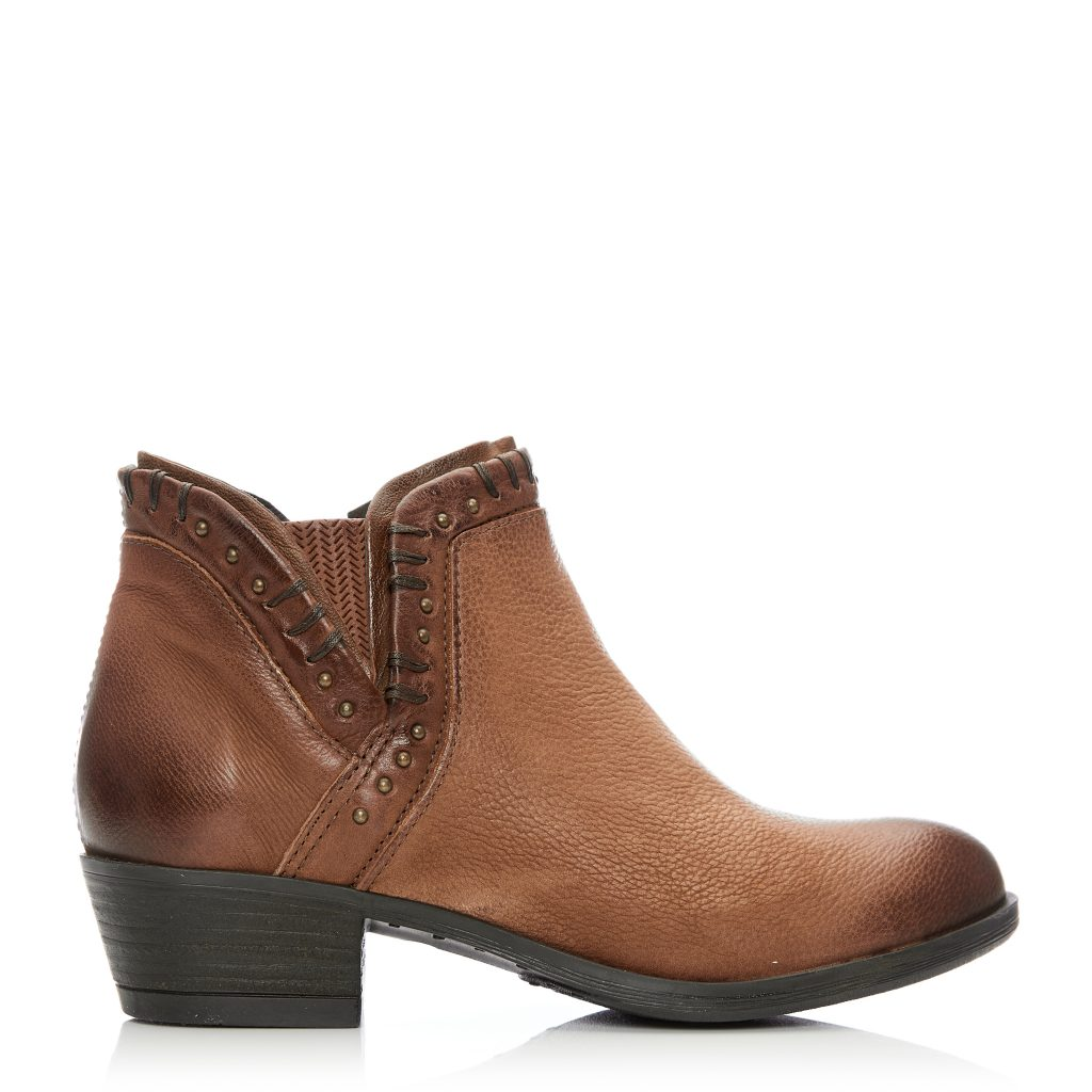 Beretia Tan Leather Boots