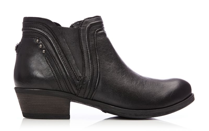Alyss Black Leather