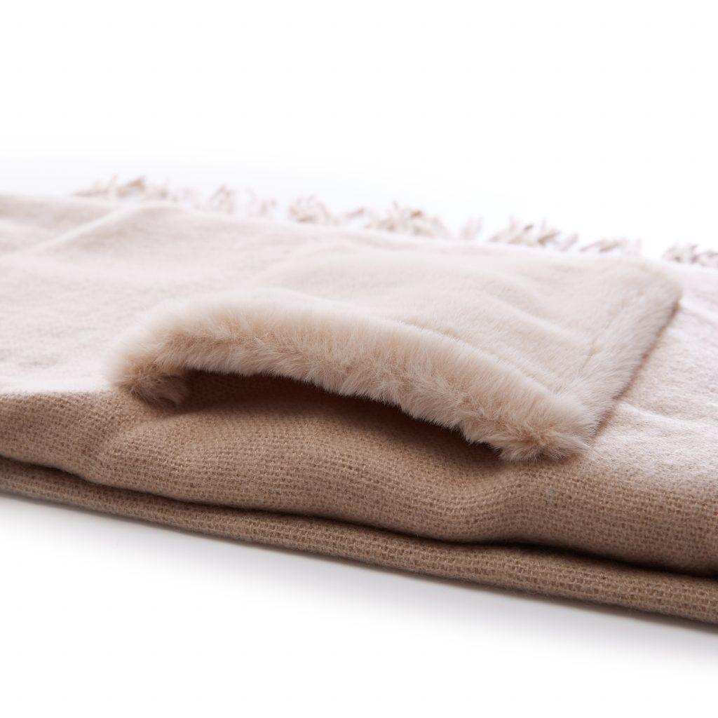 Baileyscarf Beige Fabric