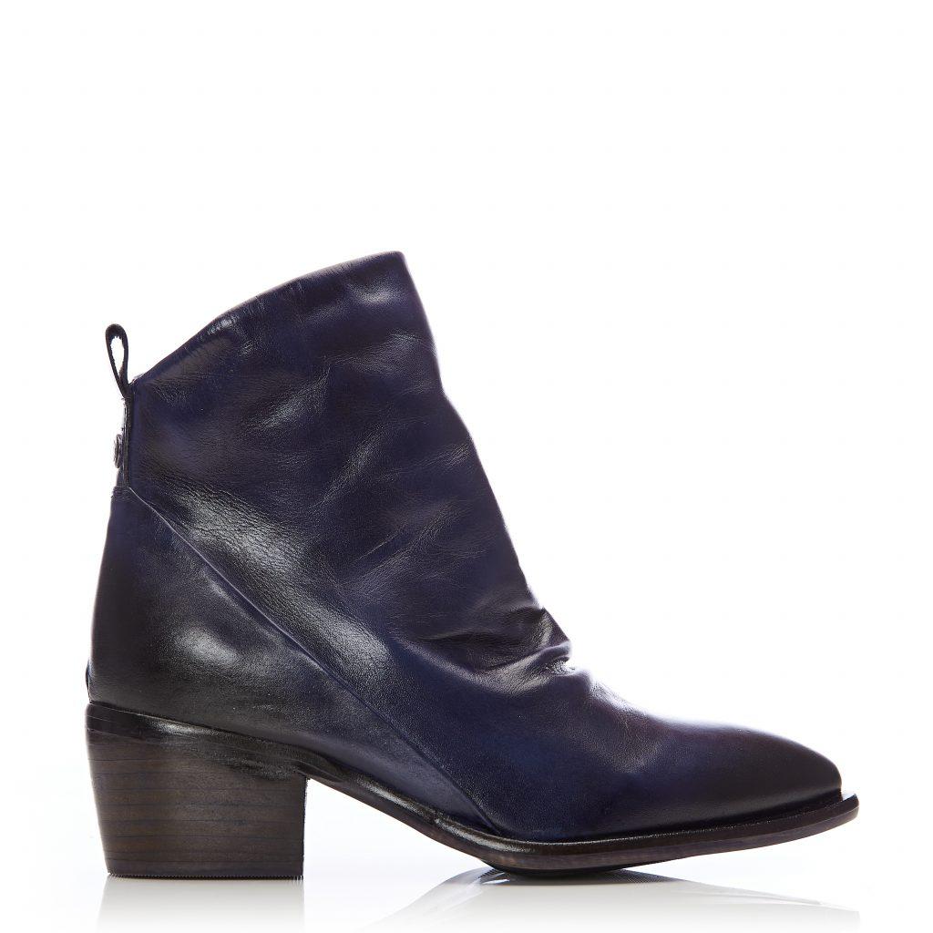 Lizbethy Navy Leather