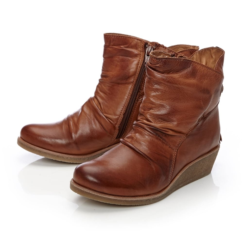 bb454c68033 Adoni Tan Leather - Boots from Moda in Pelle UK