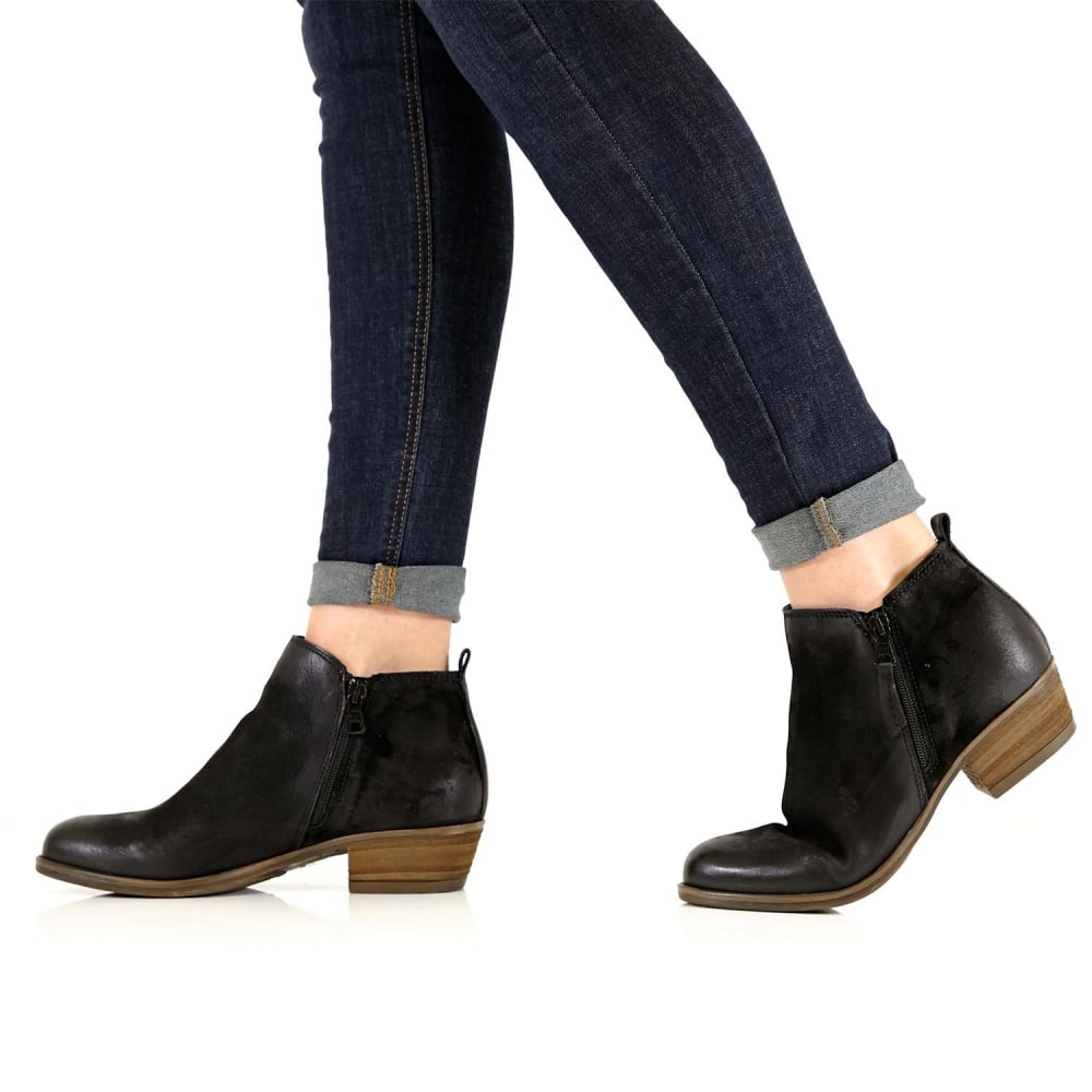 Besta Black Leather - Boots from Moda in Pelle UK 277b63fcb09c