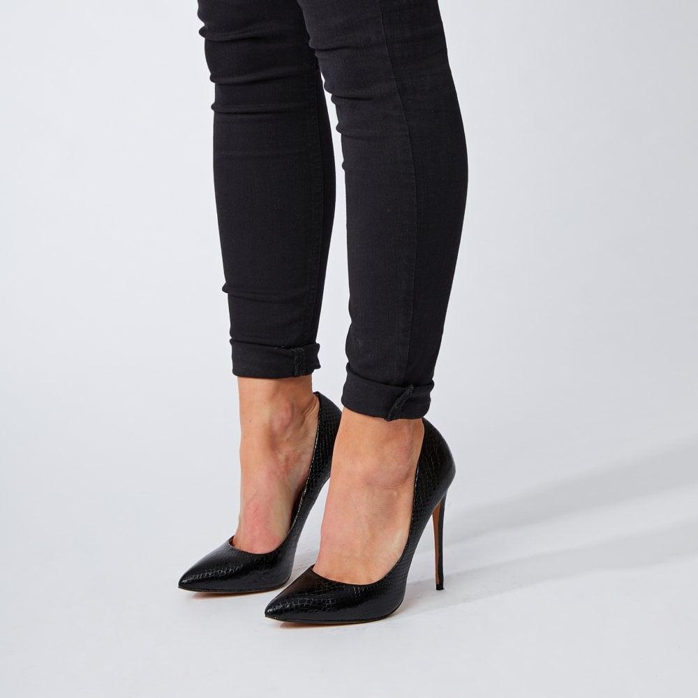Shoes from Moda in Pelle UK