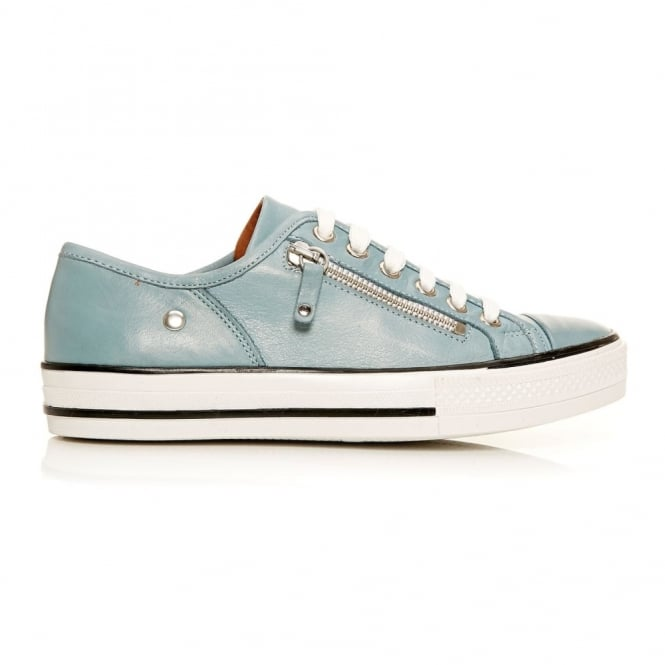 Fianntas Light Blue Leather