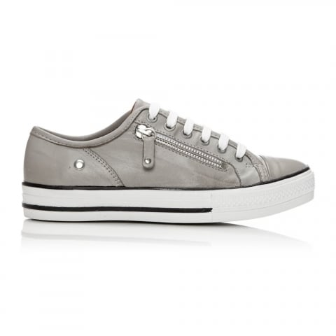 Fianntas Light Grey Leather