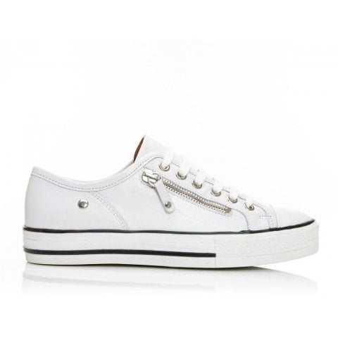 Fianntas White Leather